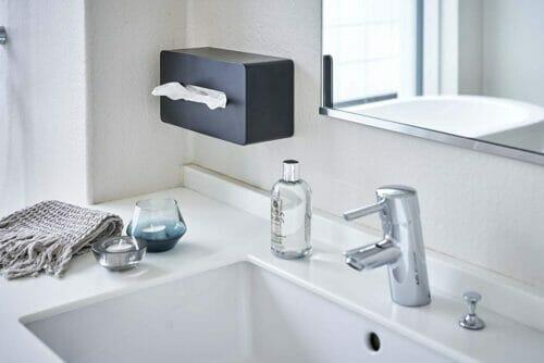 yamazaki_3901_black_bathroom